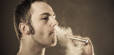 What are the risks of vaping?